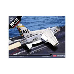Academy Vought F-8E USN VF-162 The Hunters (1:72) - 1