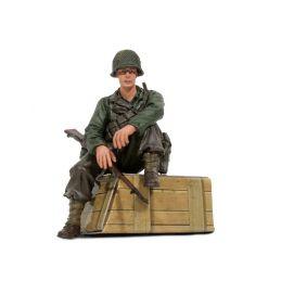 1/16 figurka sedícího vojáka U.S. 1st Infantérie z 2 sv. války, ručně malovaný - 1
